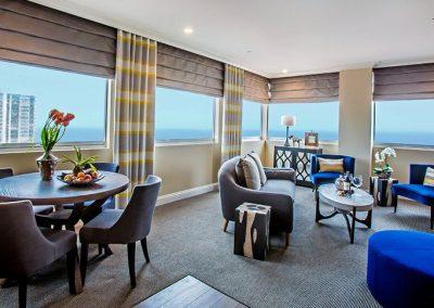la-valencia-hotel-corner-room (2)